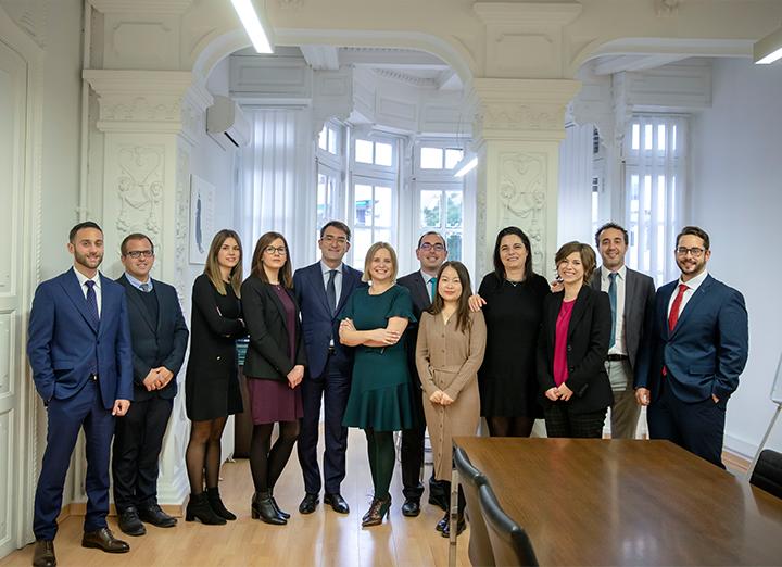 Team Miñana Beltrán specializzato nelle diverse aree pratiche del Diritto e dell'Economia
