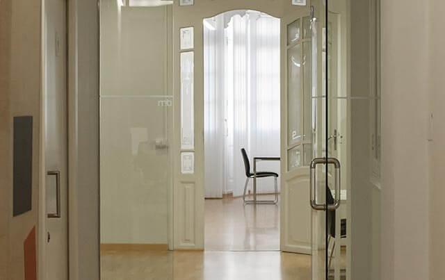 Diferentes salas de nuestras instalaciones del despacho en Valencia